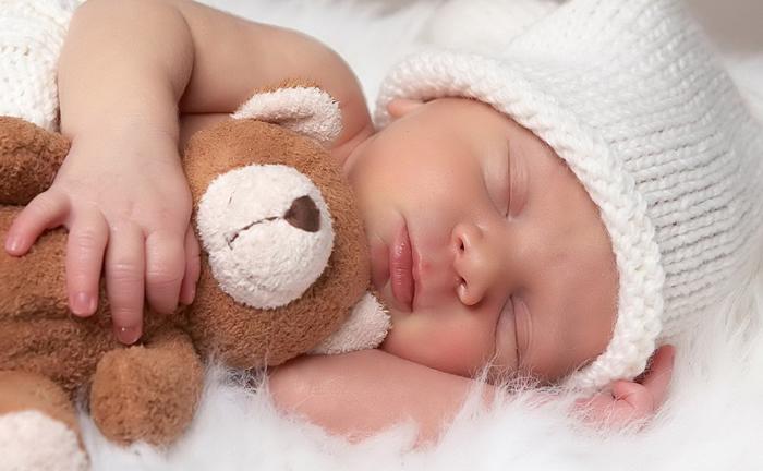 Bebês são os que precisam de mais horas de sono