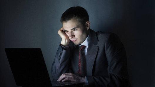 7 - Terminar um projeto importante À Fast Company, o ex-executivo do Google Keval Desai, sócio da InterWest Partners, diz aproveitar a noite para concretizar projetos. Sim, ele trabalha antes de dormir. Escolhe um projeto e não vai para cama sem a sensação de dever cumprido.